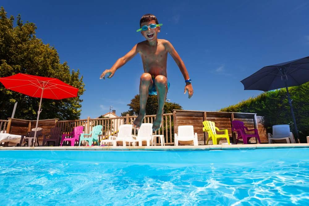 Choisir un camping avec une piscine couverte-1