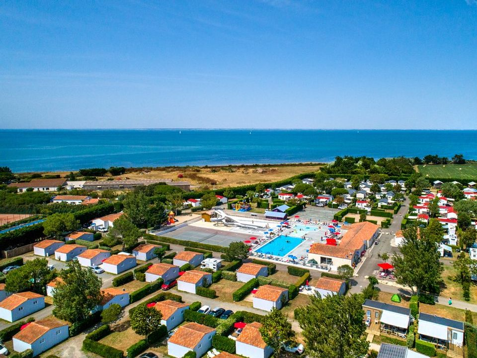 Flower Camping Les Ilates, 4*