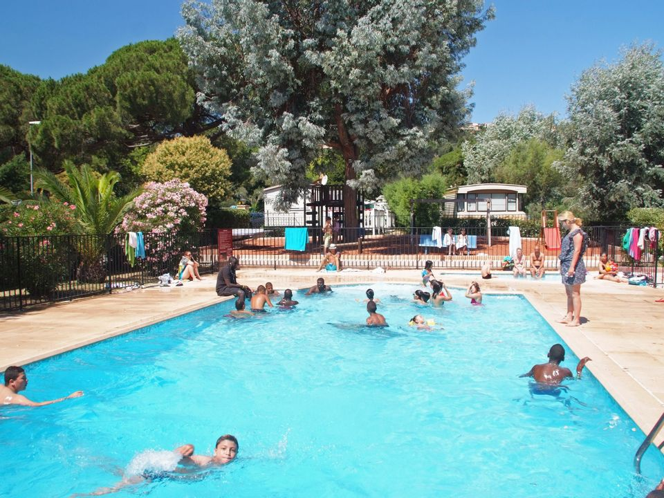 Camping Le Plateau des Chasses - Camping