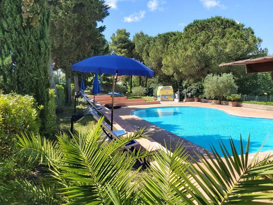 Camping Toscana Holiday Village - Camping Pisa