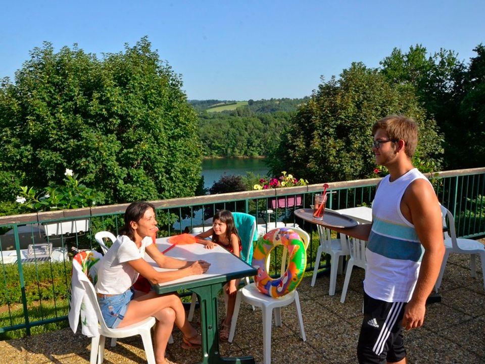 France - Sud Ouest - Pont de Sallars - Camping Les Terrasses du Lac 4* - Vente Flash