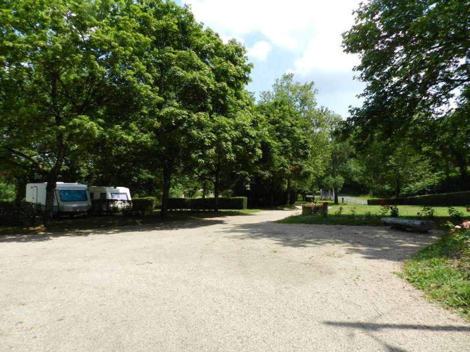 Camping Municipal Du Lac De Chardes - Camping Vienne