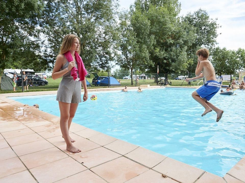 Camping Aux Rives du Soleil - Camping Ain