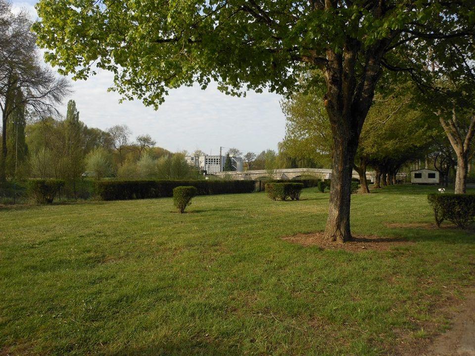 Camping Municipal Des Patis - Camping Indre-et-Loire