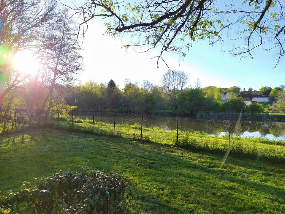 Camping Municipal Des Berges De L'yonne - Camping Yonne