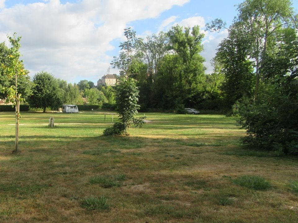 Camping Municipal - Camping Yonne