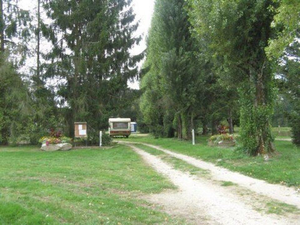 Camping municipal aire naturelle Les Farnaults - Camping Loiret