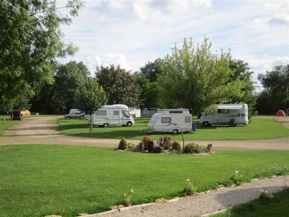 Camping Municipal De La Noue Marrou - Camping Yonne
