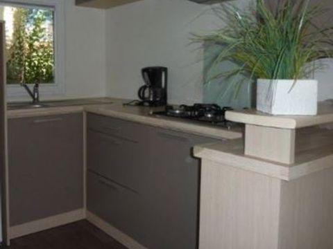 MOBILHOME 5 personnes - GRAND CONFORT  (2 chambres et terrasse)