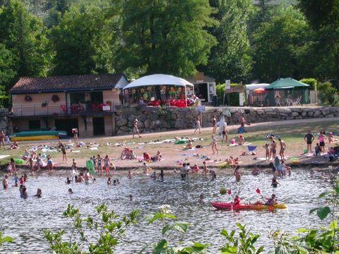 Camping De la Plage - Camping Lot