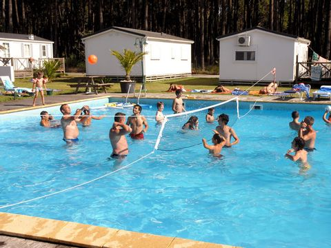 Camping Land's Hause Bungalow - Camping Région de Lisbonne - Portugal - Image N°2