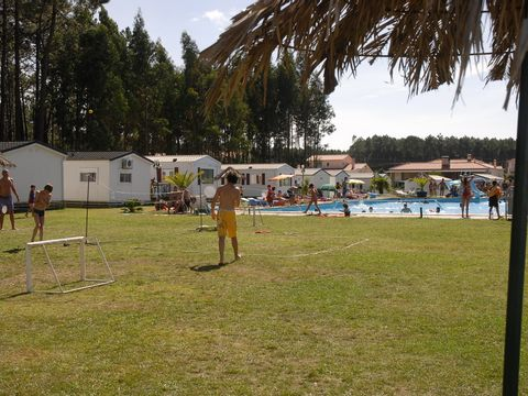 Camping Land's Hause Bungalow - Camping Région de Lisbonne - Portugal - Image N°13