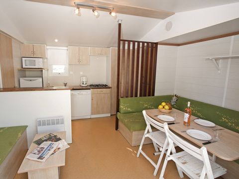 MOBILHOME 6 personnes - 3 chambres (C7)