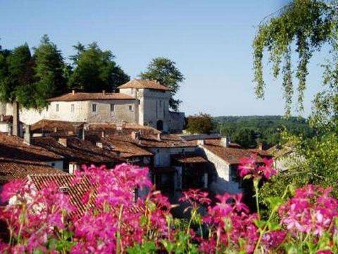 Village de gîtes BROSSAC - Camping Charente - Image N°5