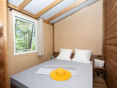 TENTE TOILE ET BOIS 7 personnes - Cabane Lodge 4 Pièces Climatisé + TV