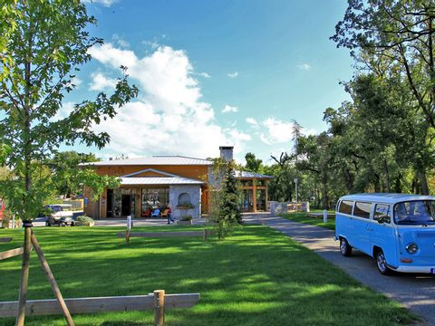 Camping Albirondack Park Lodge And Spa - Camping Tarn - Image N°7
