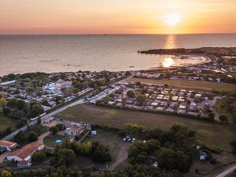 Camping A La Corniche - Camping Charente-Maritime
