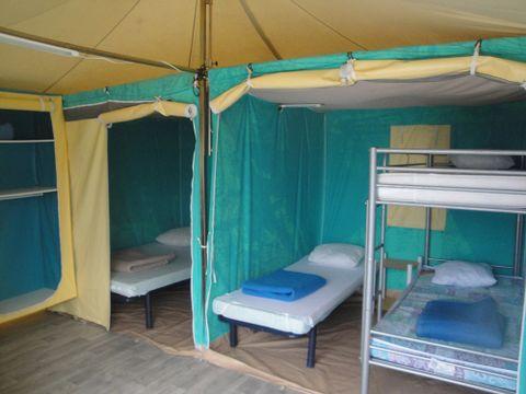 BUNGALOW TOILÉ 5 personnes - (sans sanitaires)