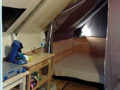 TENTE TOILE ET BOIS 5 personnes - Lodge ISPEGUY (sans sanitaires)
