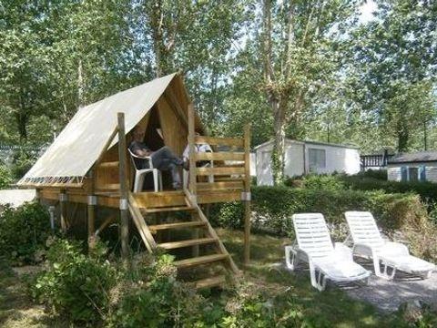 TENTE TOILE ET BOIS 2 personnes - Lodge BELTXU (sur pilotis)