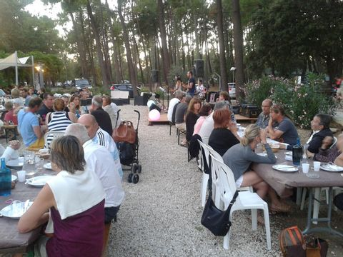 Vaucluse  Camping La Simioune - Camping Vaucluse - Afbeelding N°10