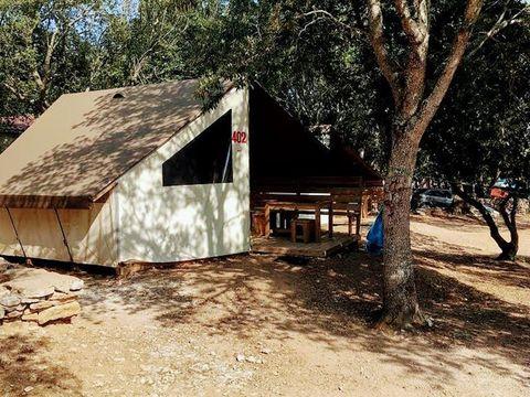 BUNGALOW TOILÉ 4 personnes - 2 chambres - sans sanitaires