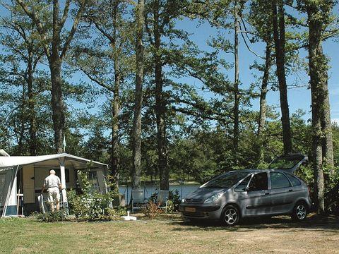Camping du Grand Etang de Saint-Estèphe - Camping Dordogne - Image N°8