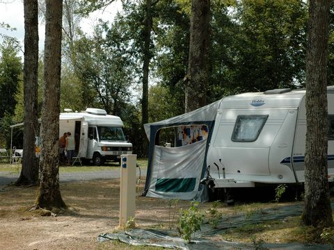 Camping du Grand Etang de Saint-Estèphe - Camping Dordogne - Image N°11