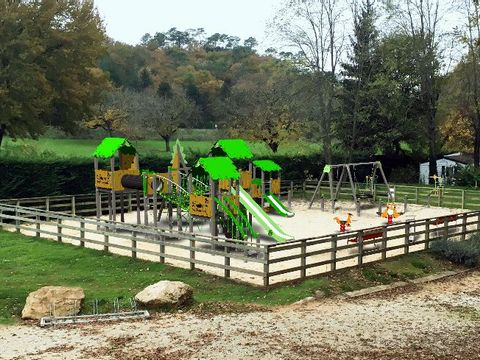 Camping Domaine des Chenes Verts - Camping Dordogne - Image N°12