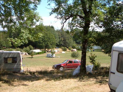 Camping de l'Etang - Camping Cantal - Image N°4