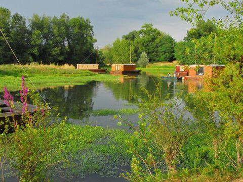 Village Toue du Domaine des Demoiselles  - Camping Allier - Image N°2