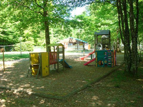 Nièvre  Camping de l'Etang du Merle  - Camping Nièvre - Afbeelding N°3