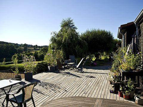 Domaine Les Roulottes et Cabanes du Livradois - Camping Puy-de-Dome - Image N°11