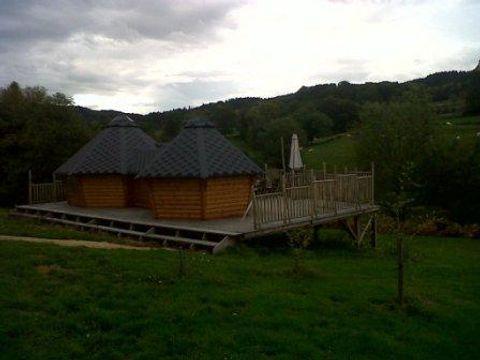 Domaine Les Roulottes et Cabanes du Livradois - Camping Puy-de-Dome - Image N°9