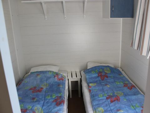 MOBILHOME 4 personnes - Mobil-home (lits : 1 gd + 2 pts côte à côte)