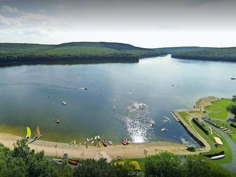 Camping Le Lac des Vieilles Forges - Camping Ardennes - Image N°2