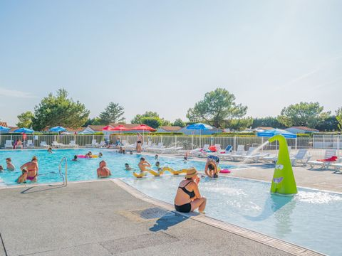 Flower Camping Les Ilates - Camping Charente-Maritime - Image N°2