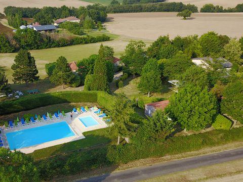 Parc Résidentiel de loisirs Les Chalets des Mousquetaires - Camping Gers - Image N°4