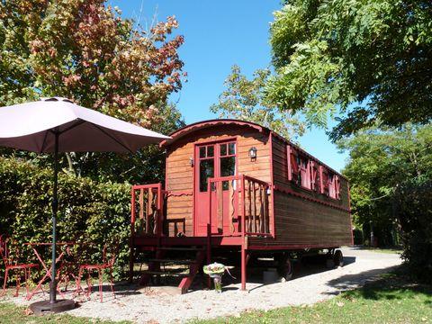 Parc Résidentiel de loisirs Les Chalets des Mousquetaires - Camping Gers - Image N°15