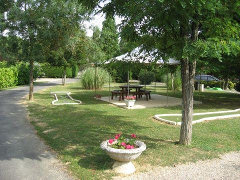 Parc Résidentiel de loisirs Les Chalets des Mousquetaires - Camping Gers - Image N°8