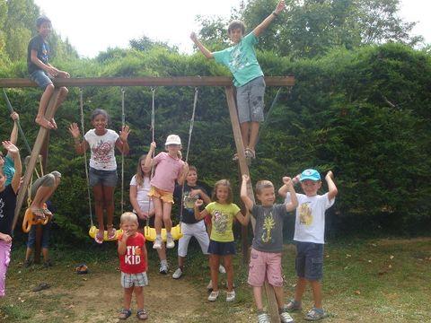 Parc Résidentiel de loisirs Les Chalets des Mousquetaires - Camping Gers - Image N°5