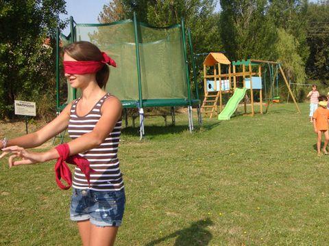 Parc Résidentiel de loisirs Les Chalets des Mousquetaires - Camping Gers - Image N°6