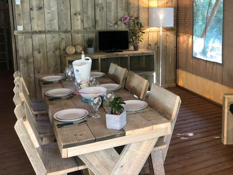 BUNGALOW TOILÉ 6 personnes - GLAMPING 3 chambres