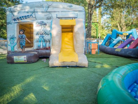 Family des Issoux - Camping Paradis - Camping Ardeche - Image N°8