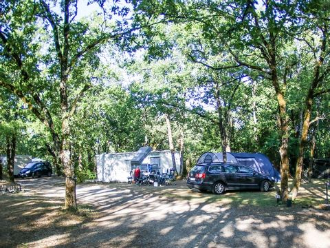 Camping Le Picouty - Camping Lot - Image N°12