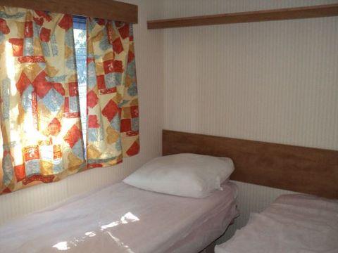 MOBILHOME 4 personnes - Lot - 2 chambres (Arrivée le samedi)