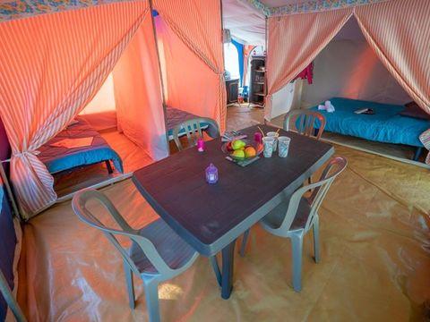 TENTE 4 personnes - Tente équipée, sans sanitaire