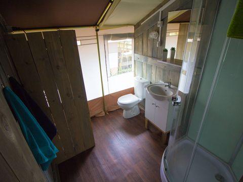 TENTE TOILE ET BOIS 5 personnes - Luxe Safaritent Sanitaire