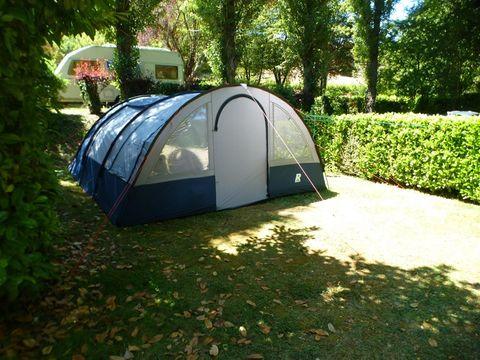 TENTE 4 personnes - Prêt à camper, sans sanitaires