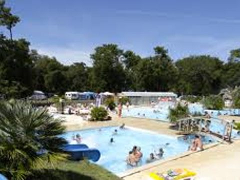 Charente-Maritime  Camping Le Logis  - Camping Charente-Maritime - Afbeelding N°7